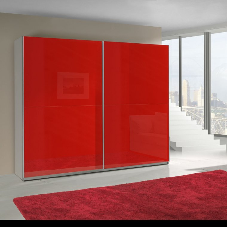Red high gloss wordrobe
